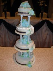 Blue and White Wedding Cake (W021)