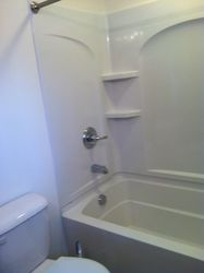 Bathroom Tub/ Shower