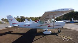 Cessna 172N VH-LYF