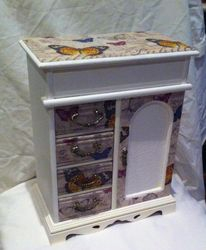 Regency white with butterlies
