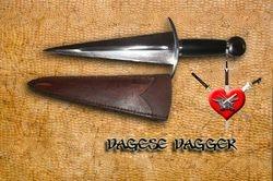 Dagesse Dagger