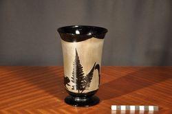 Vue de profil du vase