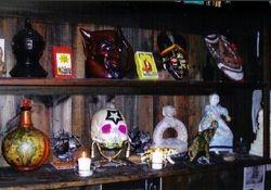 Display of masks