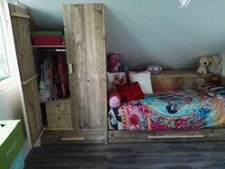 Meisjes slaapkamer..