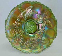 "Autumn Acorns 9"" plate, green"