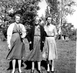 Effie, Grandma Benfield and Ila Herman
