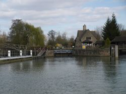 Leaving Iffley Lock