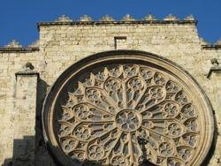 Luostaria edelleen
