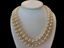 Double pearl strand, vintage piece