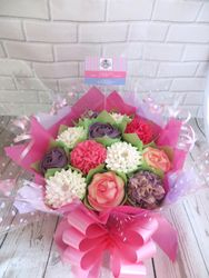 Pink and purple cupcake bouquet