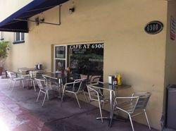 Convinient sidewalk cafe