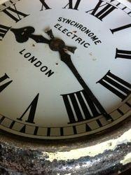 #17/084 Metal Rail Road Station Clock Detail