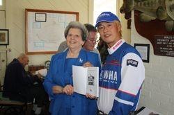 Gift from PHS to Manabu Kurita