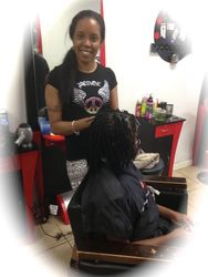 Bee goes in on Fixing client Natural Dreads