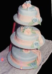 Blue and Peach Wedding Cake (W037)