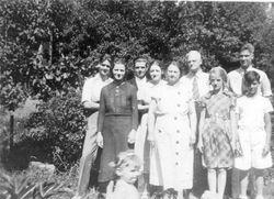 Jacob and Mina (McClincy) Grove Family