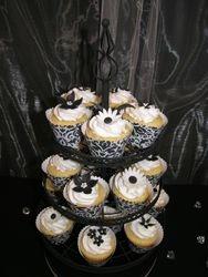 Black/White Cupcakes