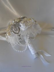 Brooch Bouquet   #B27