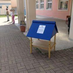 Feeding station for the school