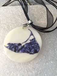 Island necklace