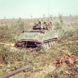 M-113 ACAV with Kit: