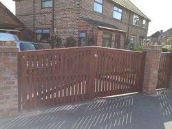 Hardwood Gates - Sloping Topped