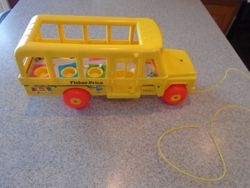 Fisher Price Little People Vintage #192 1984 School Bus Pull Toy - $20