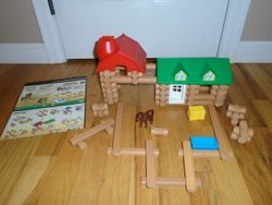 Lincoln Logs Frontier Farm 92 Pieces - $15