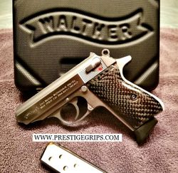 WALTHER PPK/S Smooth Black CF mounted