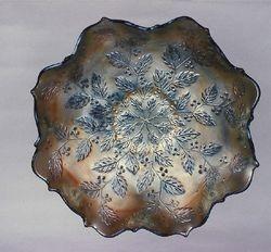 Holly ruffled bowl, amethyst silvery