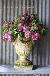 #27/012 FRENCH CONCRETE URN