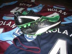 captain Kevin Nolan´s 2012/13 worn boots