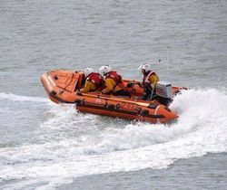 Howth RNLI launch to reports of motorboat in difficulties