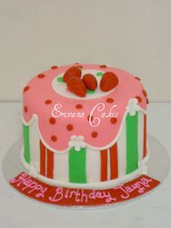 Strawberry ShortCake Cake (B203)