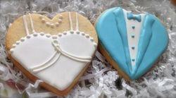 bride & groom heart cookies