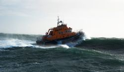 Rosslare Harbour RNLI launch in dense fog to a local fishing boat