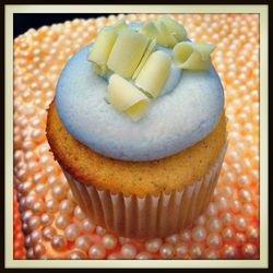 Very Vanilla Cardamom Cupcake!