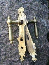 Antikvarines duru rankenos. Kaina 52