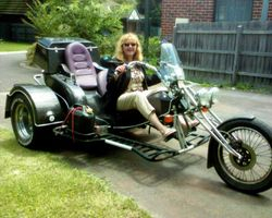 Ronnie on Toms Trike - Jan 06