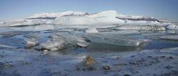 Kleine beetje panorama aan gletsjermeer