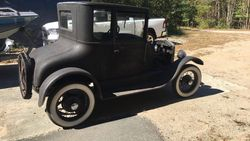 3.27 Ford model dr¿s coupe.