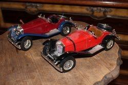 1928 Mercedes-Benz SSK M 1/18. Kaina 16 ir 11 Eur.