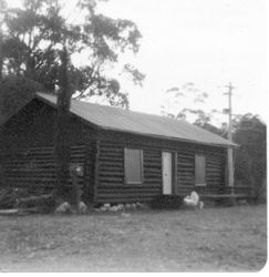 Log Cabin in Maulua Bay, 1925