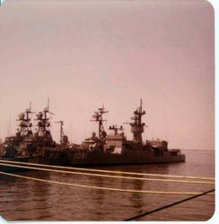 Norfolk, USS Aylwin DE-1081 USS Sherman DD-931