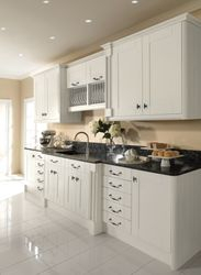 COLONIAL PENDLE WHITE PAINTED KITCHEN