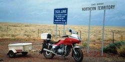 Tom's XJ900 at the Qld/NT Border - May 1992