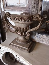 #17/360 Pair of Wooden Italian Decor Finials