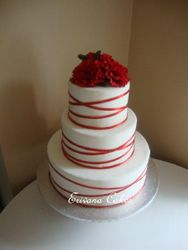 Red and White Wedding Cake (W029)