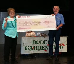 $10,000 cheque presented to Maroochy Botanical Gdns