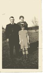 Ira Garfiled Creighton, Mary Katherine (Watson) Creighton, and Lorma Evelyn (Creighton) Kinch
